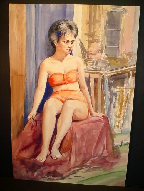 short-haired woman in bathingsuit
